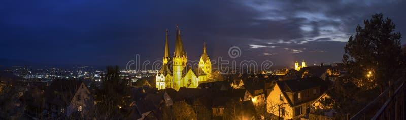Historiskt gelnhausen Tyskland hög definitionpanorama på natten royaltyfri fotografi