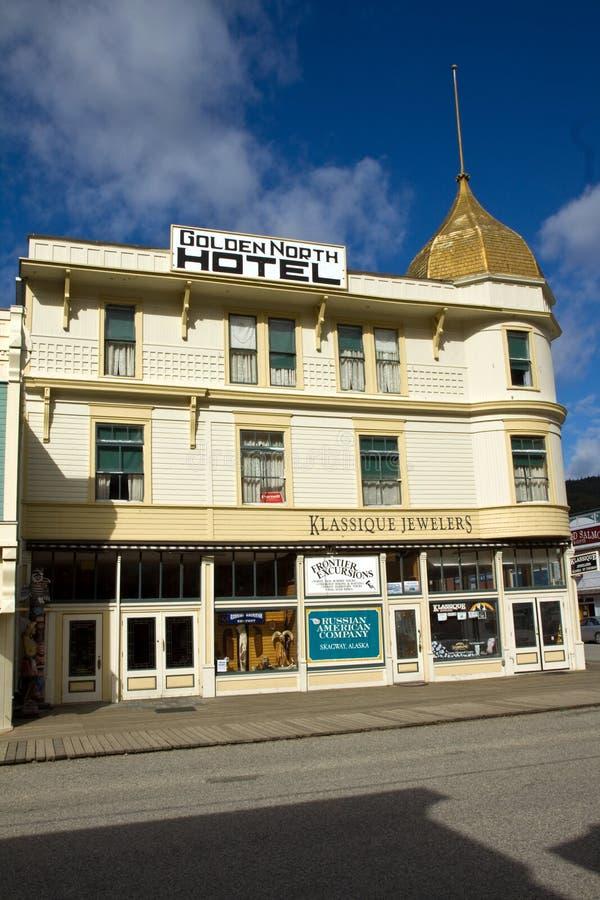 Historiskt guld- norr hotell i Skagway, Alaska royaltyfria bilder
