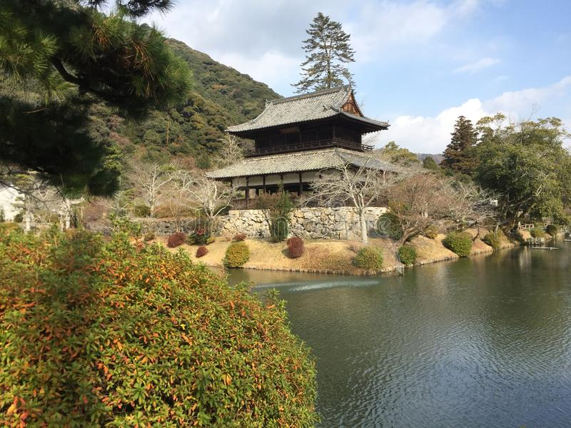 Historiskt hus runt om Kikkokouen Kikko Park, Iwakuni, Yamaguchi, Japan arkivbild