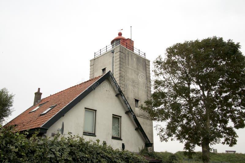 Historiskt ljust hus De Ven i Oosterdijk royaltyfria foton