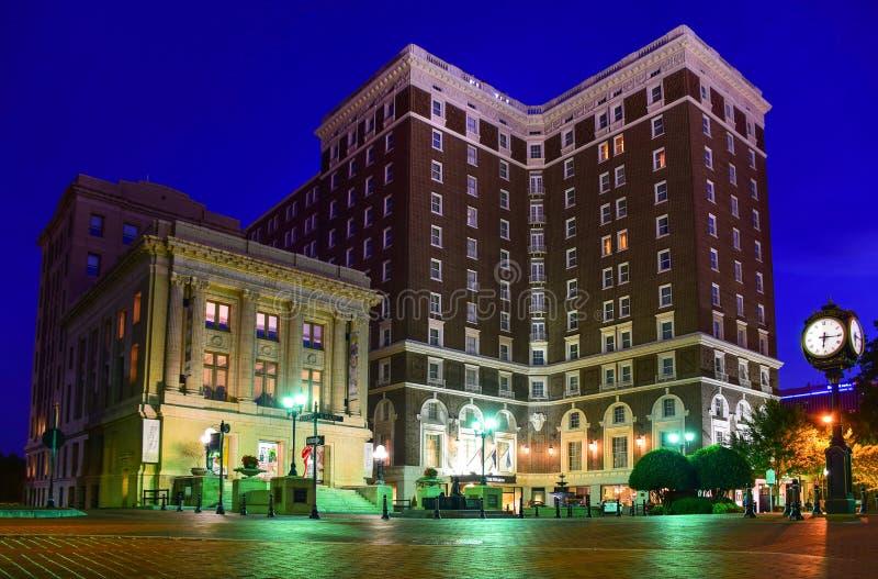 Historiskt Poinsett hotell i i stadens centrum Greenville South Carolina royaltyfria bilder