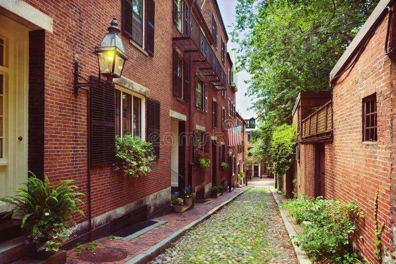Historyczna Acorn ulica w Beacon Hill, Boston; Msza , USA zdjęcie stock