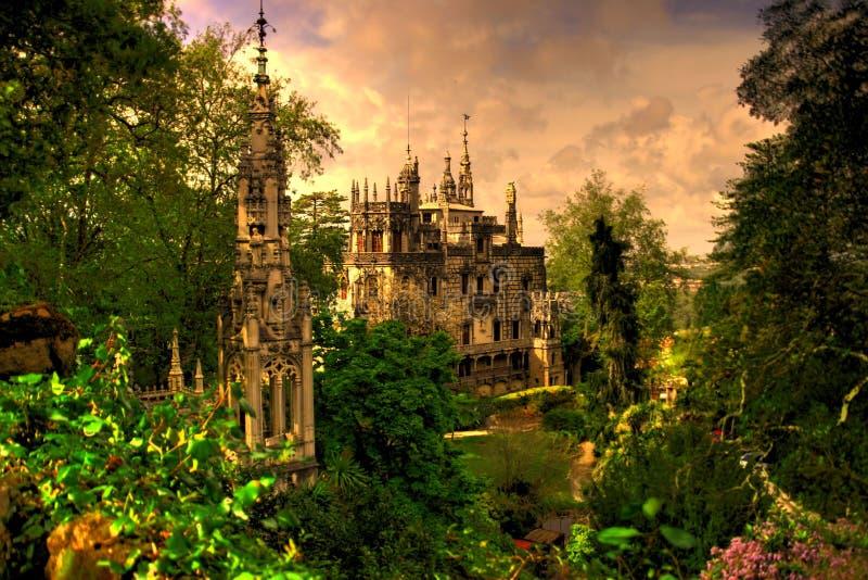 Historyczna architektura w ogródzie botanicznym fotografia royalty free
