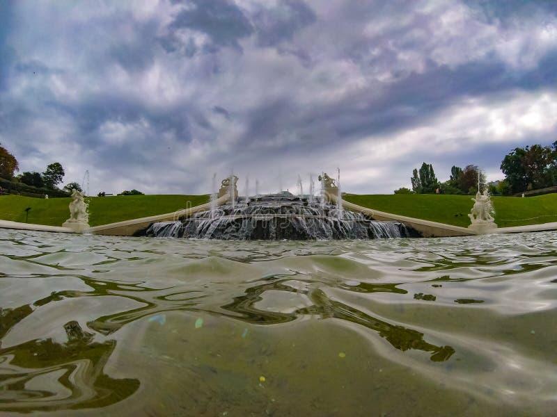 Historyczna fontanna w jeden piękni miasta w światowym Wiedeń Austria obrazy stock