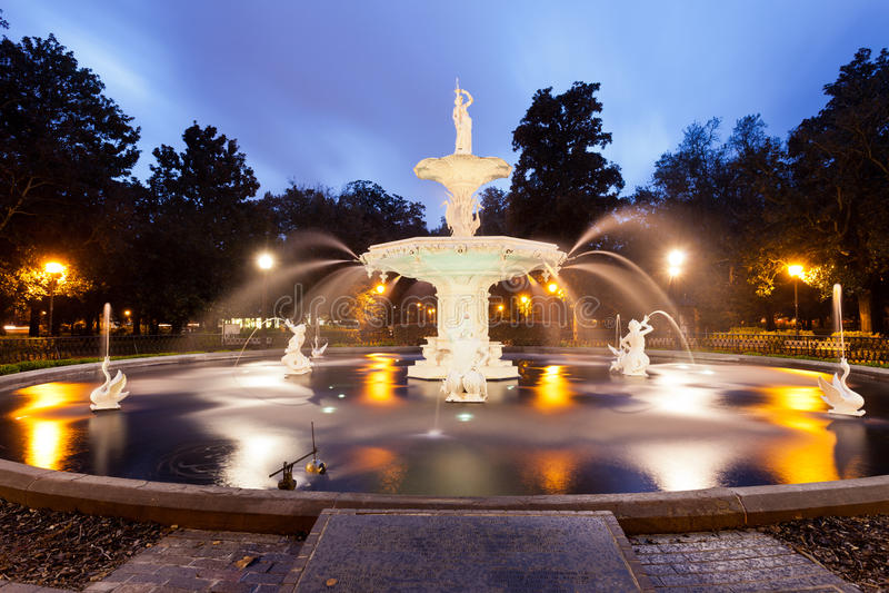 Historyczna Forsyth parka fontanny sawanna Gruzja USA zdjęcia royalty free