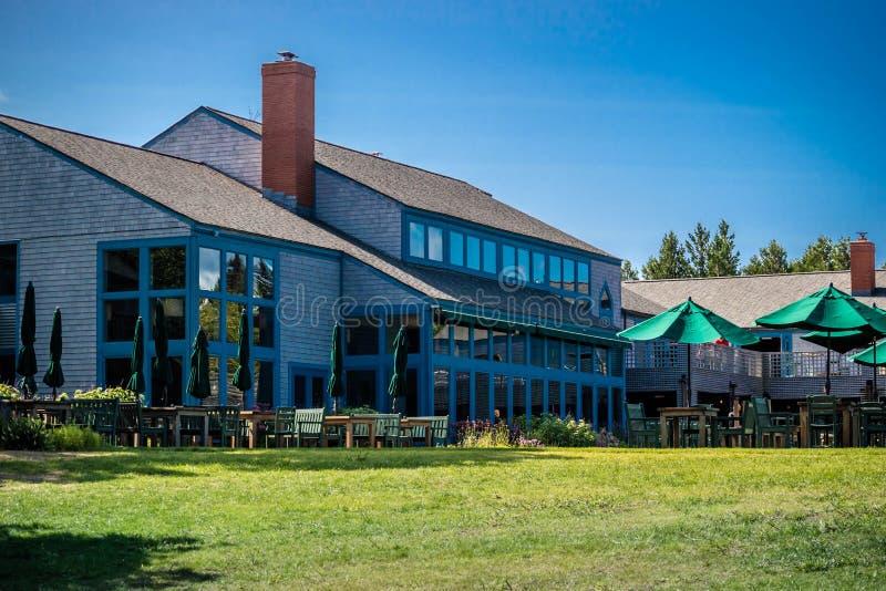 Historyczna przerwa knajpa dla herbaty z popovers i dżemem w Acadia NP, Maine obraz stock