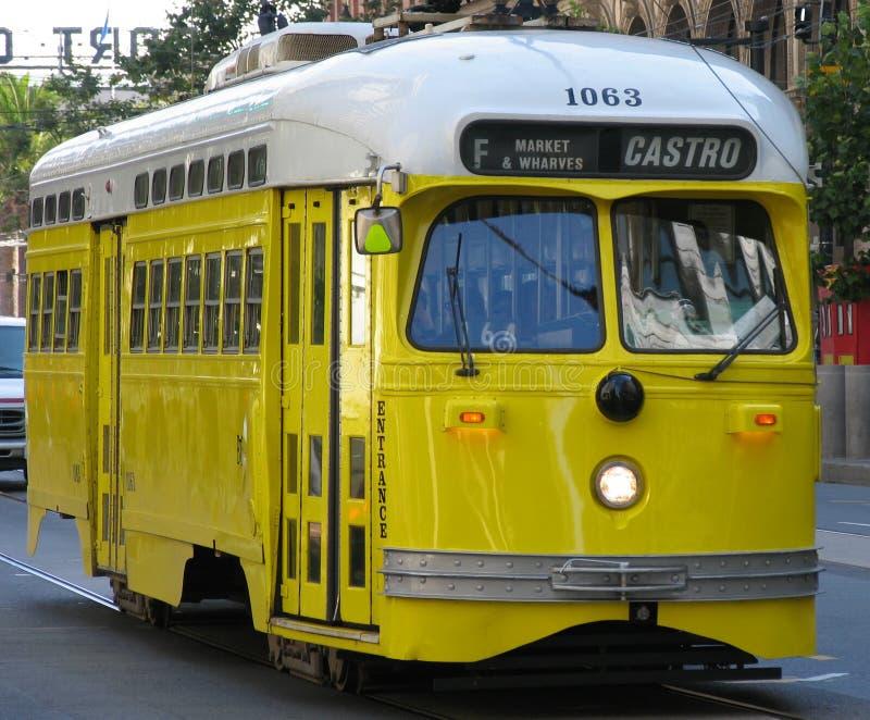 historyczna samochodowy uliczny żółty fotografia royalty free