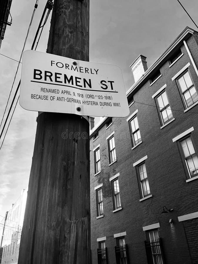 Historyczna ulica wewnątrz Nad Rhine w Cincinnati fotografia royalty free