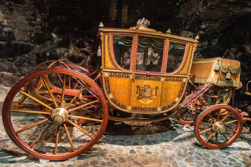 Historycznego książę koronny kareciany datowanie od xviii wiek na pokazie przy Królewską zbrojownią w Sztokholm zdjęcia stock