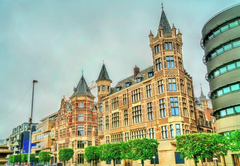 Historyczni budynki w starym miasteczku Antwerp, Belgia zdjęcia royalty free