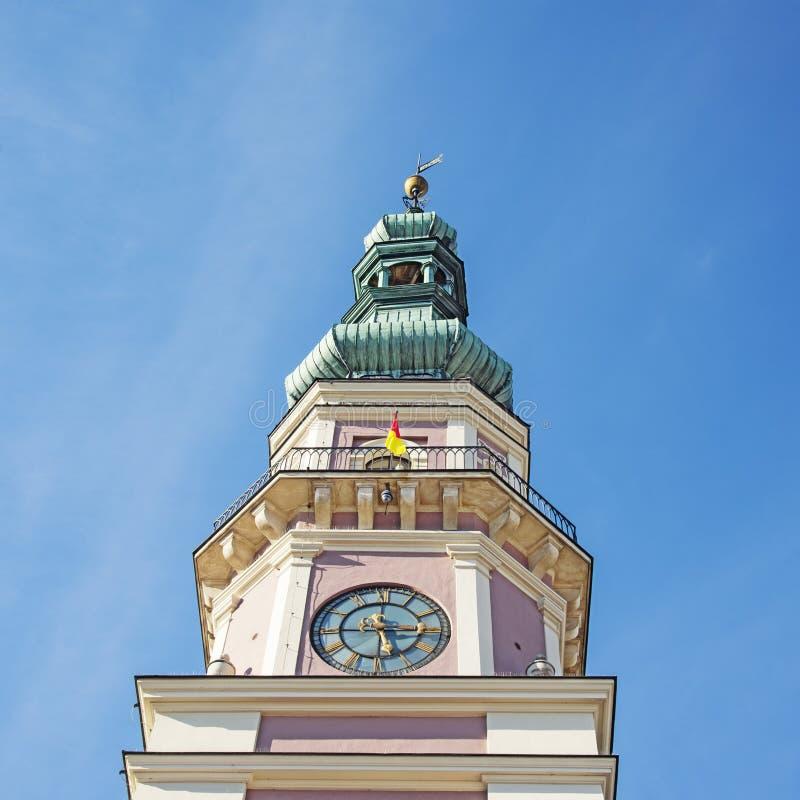 Historyczni budynki z urząd miasta, Zamojskim obraz stock