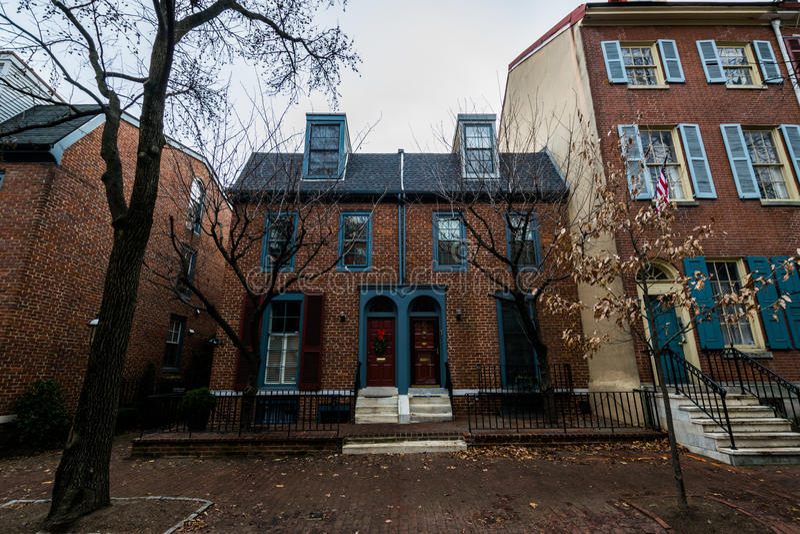 Historyczni ceglani domy w społeczeństwa wzgórzu w Filadelfia, Pennsy zdjęcia stock