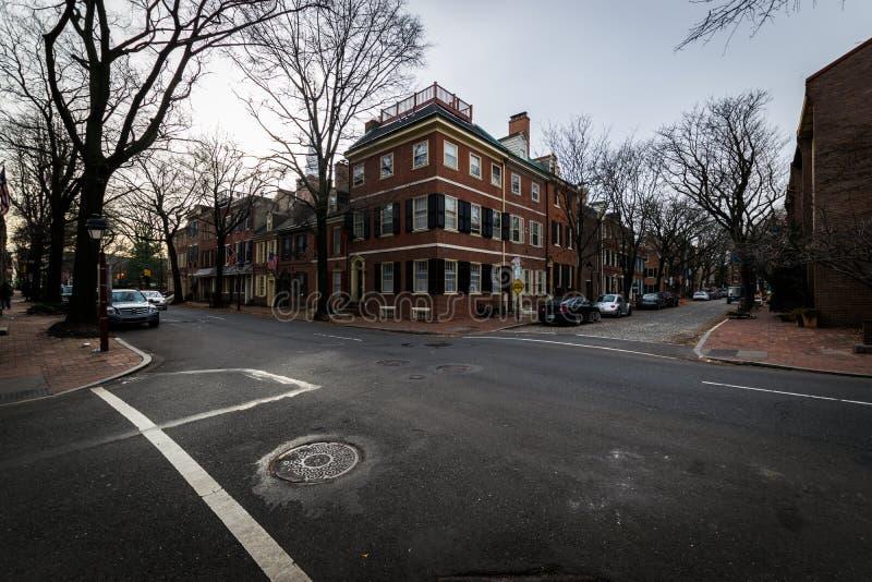 Historyczni ceglani domy w społeczeństwa wzgórzu w Filadelfia, Pennsy fotografia stock
