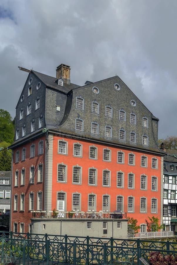 Download Historyczni Domy W Monschau, Niemcy Zdjęcie Stock - Obraz złożonej z podróż, okno: 57663912
