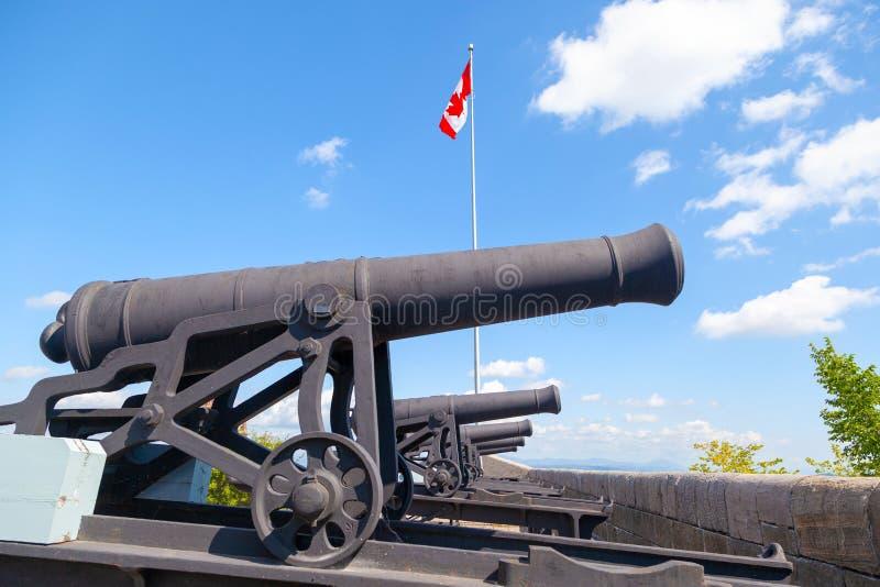 Historyczni działa przy Ramparts Stary Quebec miasto obraz stock