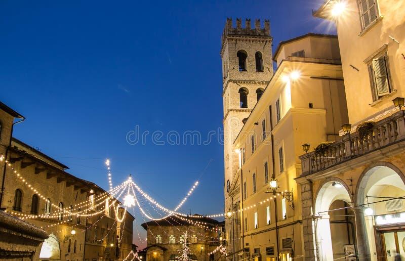Historyczny centrum Assisi przy Bożenarodzeniowym czasem obraz royalty free
