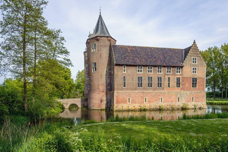 Historyczny Dussen kasztel w Holenderskiej prowinci Brabant fotografia royalty free