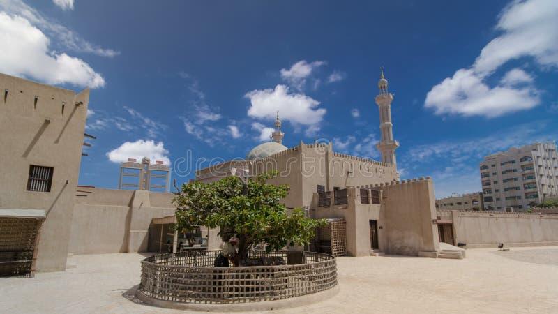 Historyczny fort przy muzeum Ajman timelapse hyperlapse, Zjednoczone Emiraty Arabskie zdjęcia royalty free