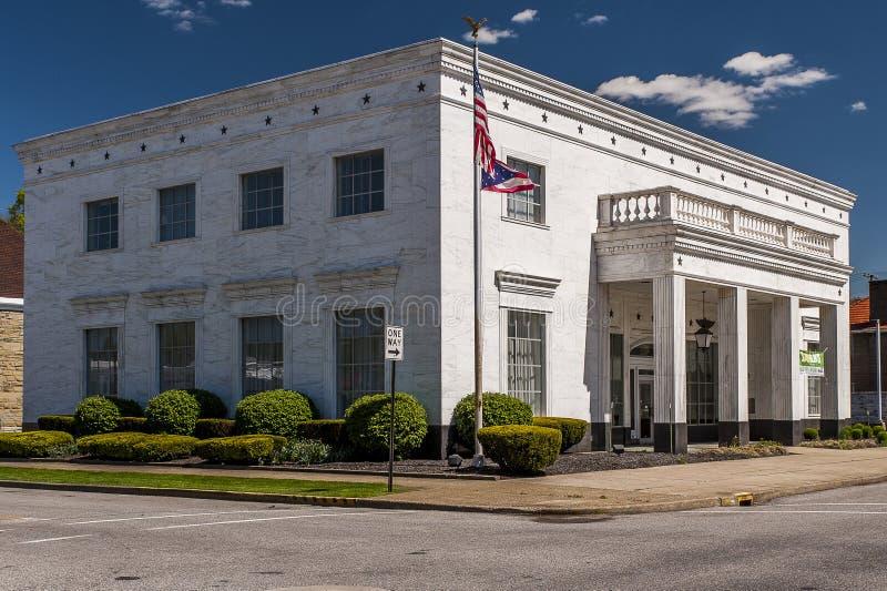 Historyczny Marmurowy Odziany bank - Ironton, Ohio zdjęcia royalty free