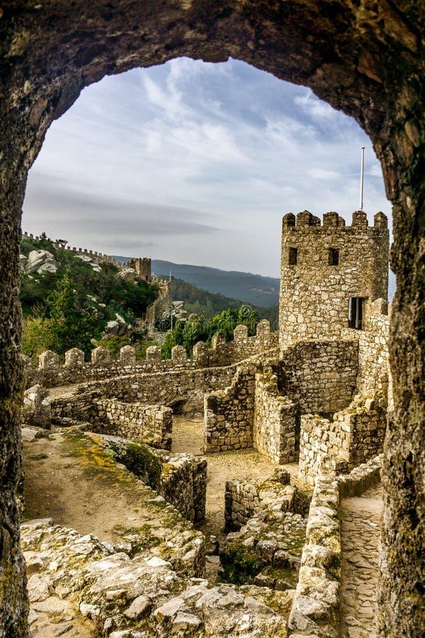 Historyczny Mauretański kasztel w Sintra fotografia royalty free