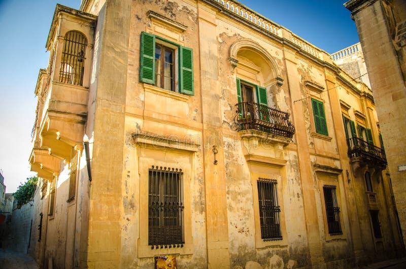 Historyczny stary średniowieczny architektura budynek w Imdina, Malta zdjęcie royalty free