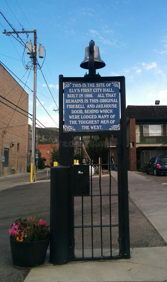 Historyczny więzienia drzwi, firebell w Ely i, NV zdjęcie royalty free