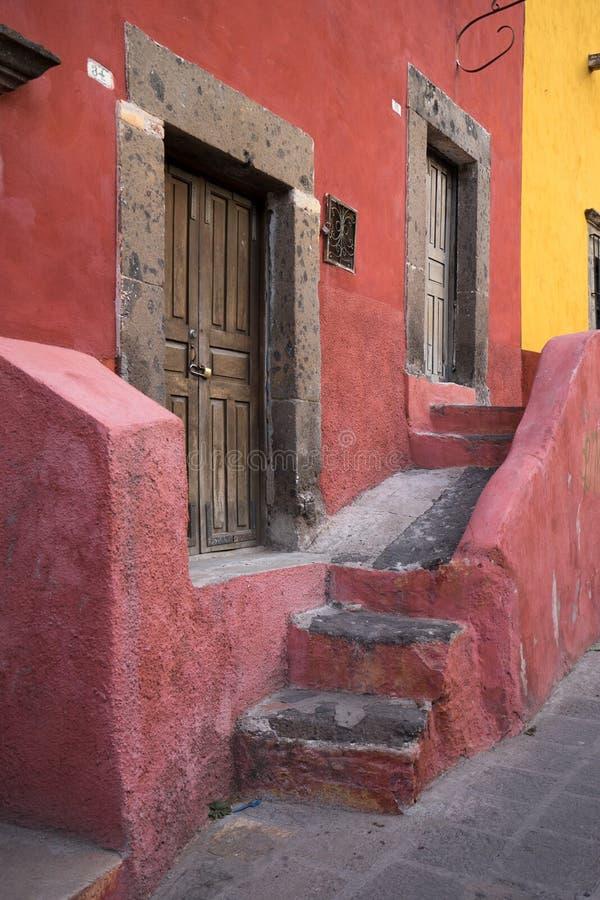 Hiszpańska architektura w Meksyk obrazy royalty free