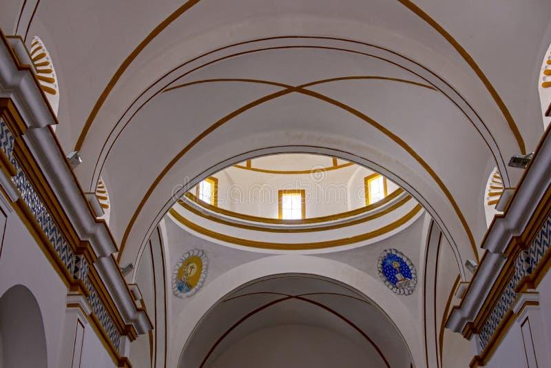Hiszpański kolonialny kościół dachu wnętrze zdjęcia royalty free
