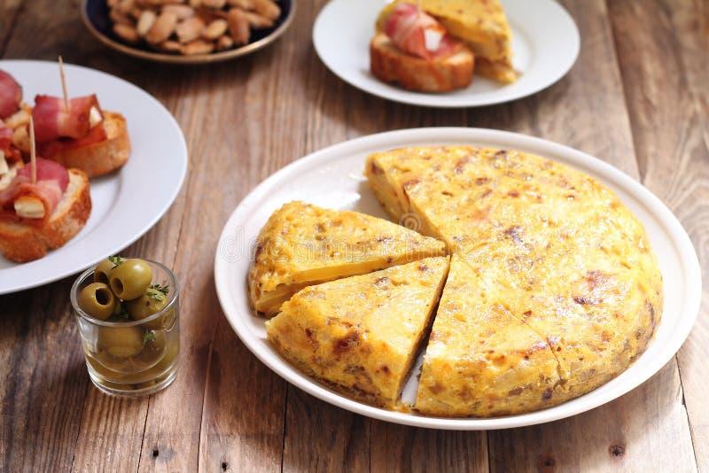 Hiszpański tortilla i inni tapas obrazy royalty free