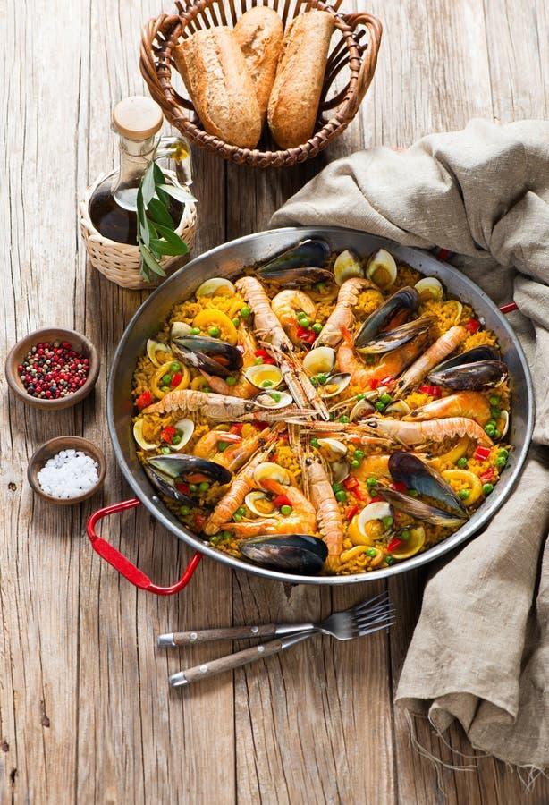 Hiszpański Tradycyjny owoce morza Paella obraz stock