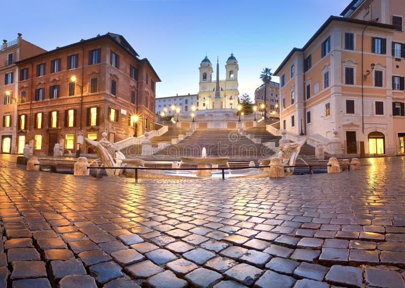 Hiszpańszczyzna kroki i fontanna na piazza Di Spagna w Rzym, Włochy zdjęcia stock
