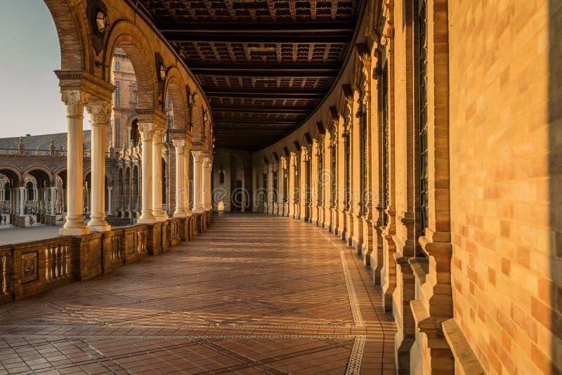 Hiszpańszczyzny Obciosują Plac De Espana w Sevilla przy zmierzchem, Hiszpania obraz royalty free