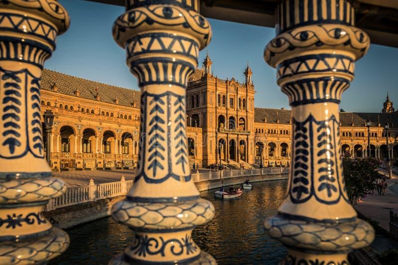 Hiszpańszczyzny Obciosują Plac De Espana w Sevilla przy zmierzchem, Hiszpania obrazy stock