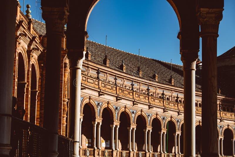 Hiszpa?szczyzny Obciosuj? Plac De Espana w Sevilla przy zmierzchem, Hiszpania fotografia stock