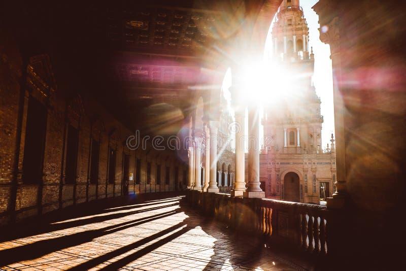 Hiszpa?szczyzny Obciosuj? Plac De Espana w Sevilla przy zmierzchem, Hiszpania obrazy royalty free
