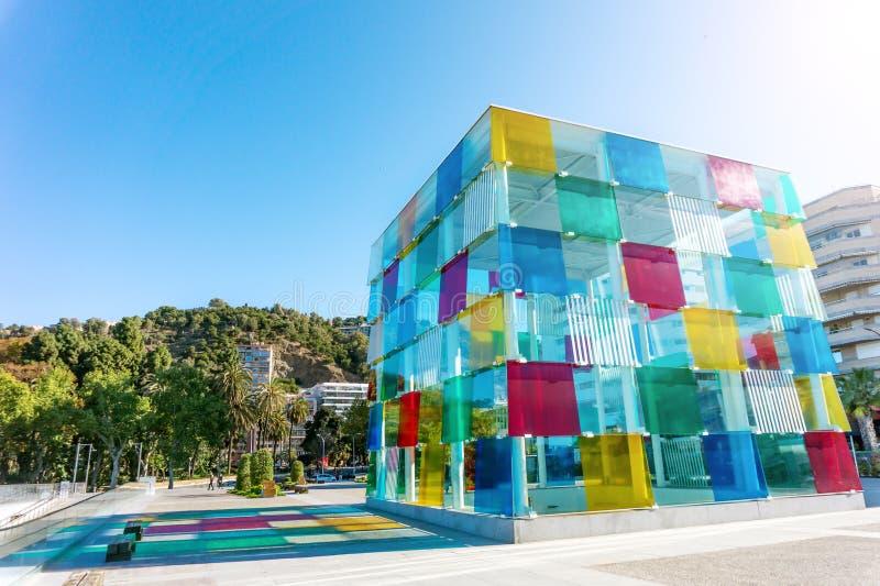 Hiszpania, Malaga - 04 04 2019: kolorowy sze?cianu centre pompidou w ?wietle s?onecznym w Malaga, Hiszpania obraz royalty free