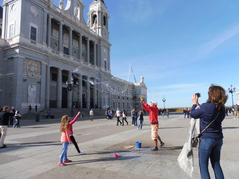 Hiszpania: Mieć zabawę w Madryt zdjęcia stock