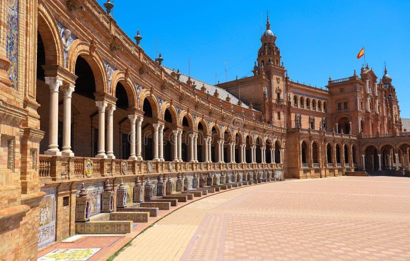 Hiszpania plac De Espana jest w społeczeństwa Maria Luisa parku w Seville, Hiszpania fotografia stock