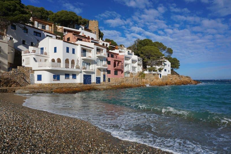 Hiszpania Sa tuńczyka zatoczki domów nabrzeżny Costa Brava zdjęcie stock