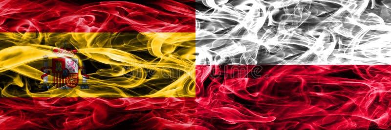 Hiszpania vs Polska dymu flaga umieszczająca strona strona - obok - Gęsty barwiony s fotografia royalty free