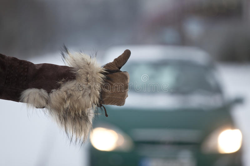 hitchhiking зима стоковая фотография