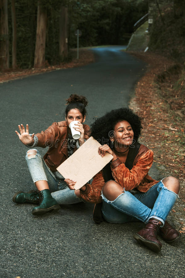 hitchhiking imagen de archivo libre de regalías