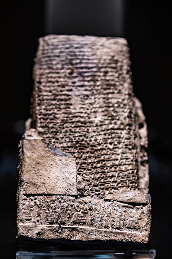 Hittite Vertrag keilf?rmig mit Rollsiegel stockbild