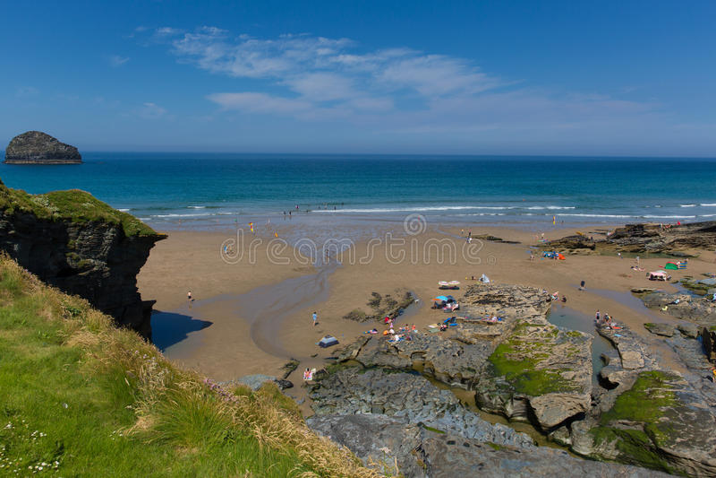 Hitzewelle Trebarwith-Strangstrand Cornwalls Juli lizenzfreies stockfoto