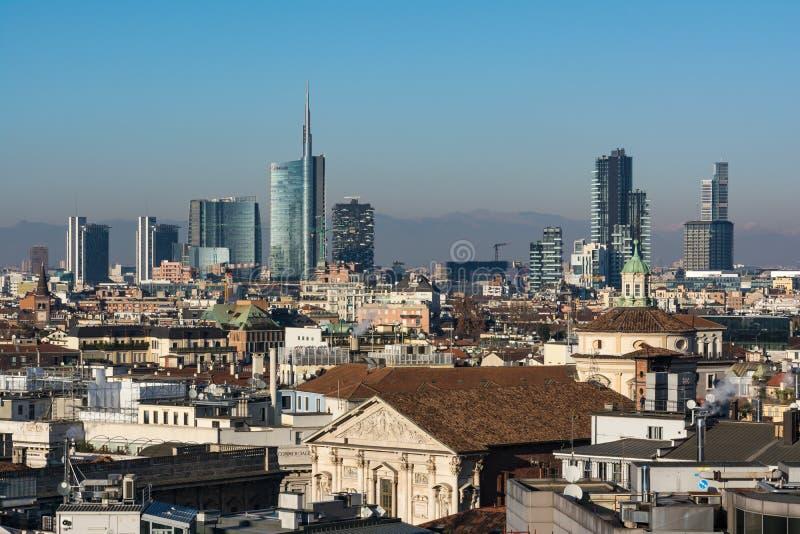 Hiver 2016 d'Alpes de montagne de Milan Business District Landscape View photographie stock