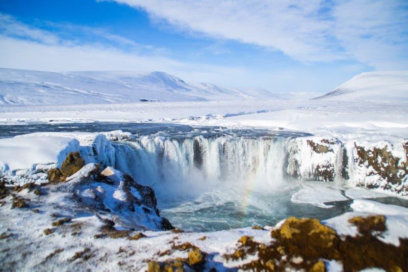 Hiver de l'ONU de cascade de Godafoss, Islande photographie stock