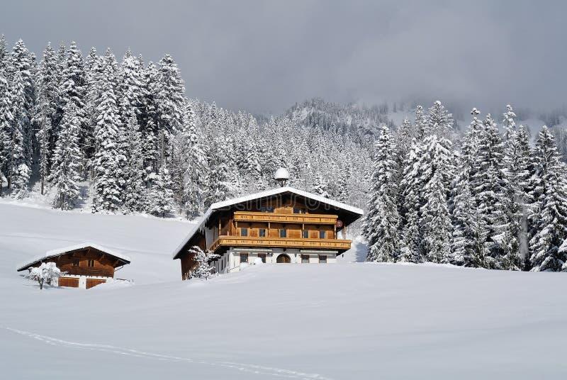 Hiver sous Kaisergebirge, le Tirol, Autriche image stock