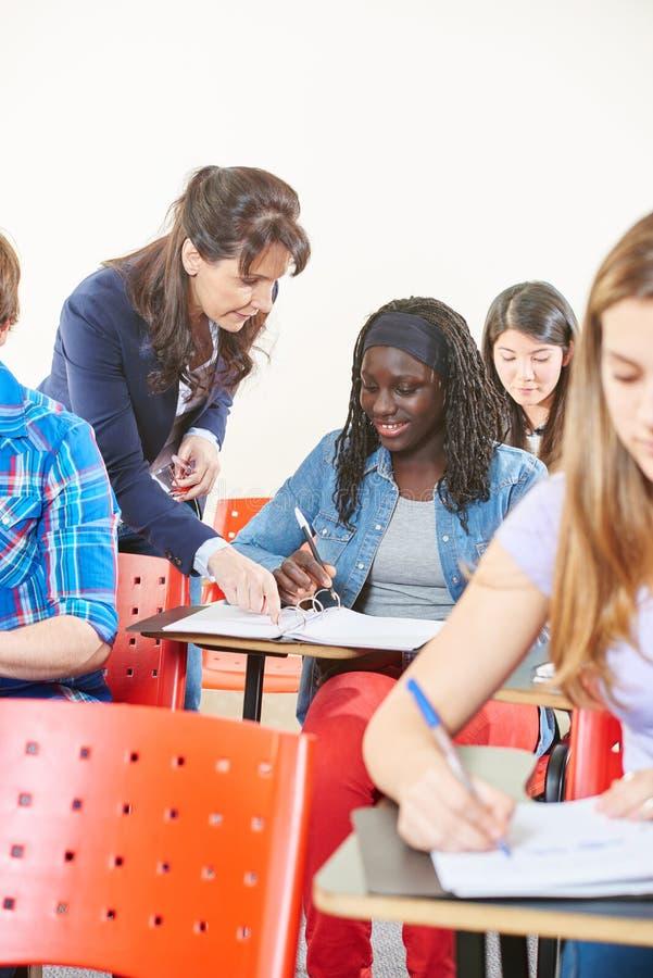 hjälpande lärarkandidat arkivfoton