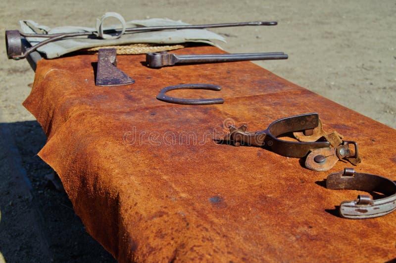 Hjälpmedel av ranchcowboyen royaltyfri foto