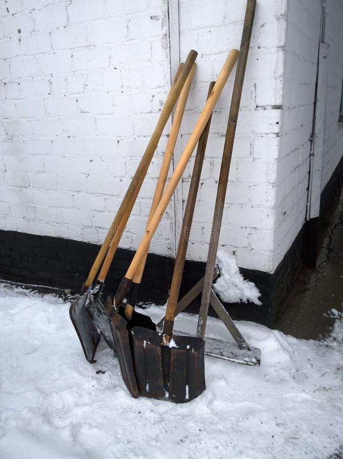 Hjälpmedel för snöborttagning arkivfoton